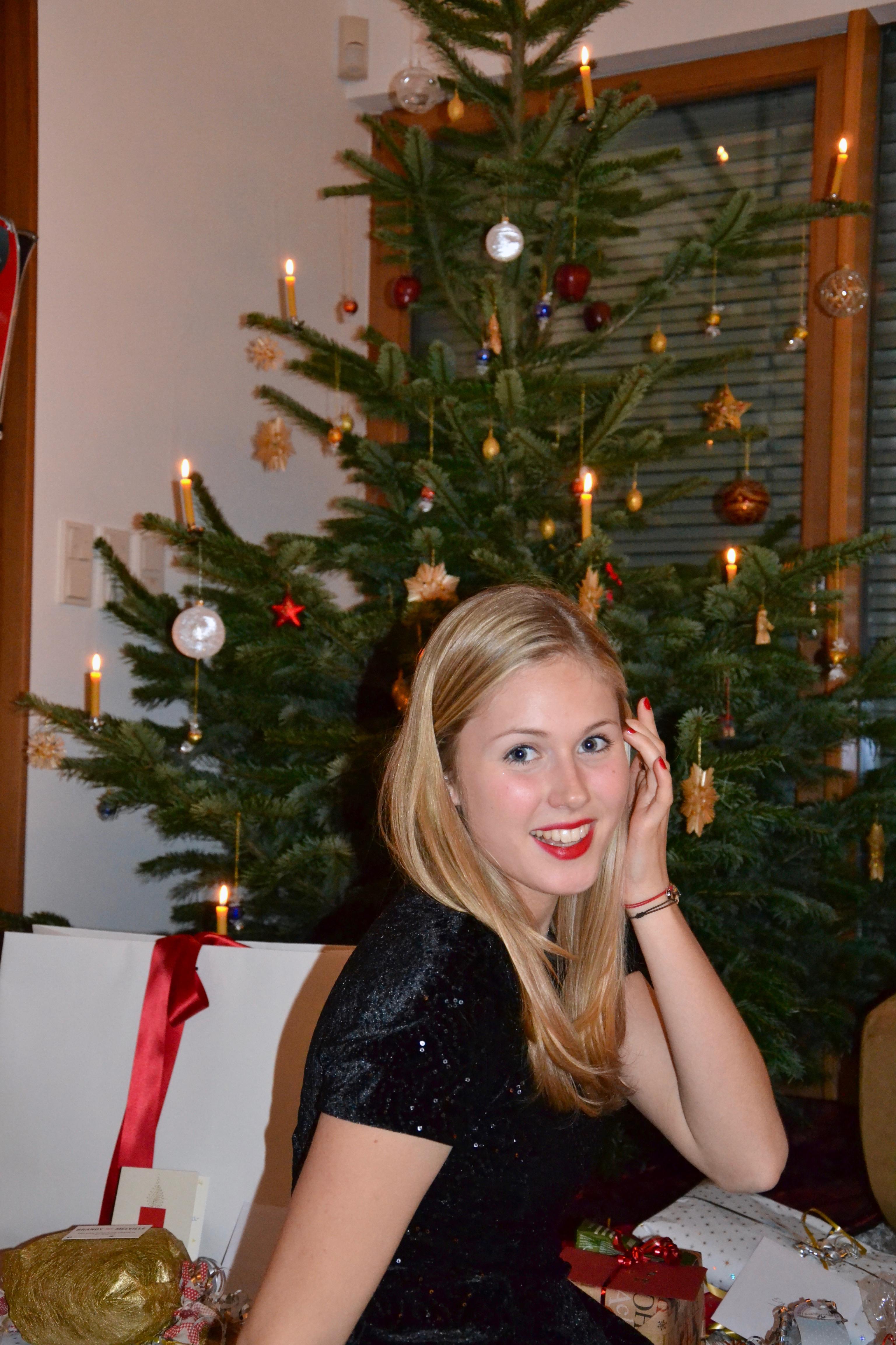 Bits and Bobs by Eva, Blog, Austrian Blog, Österreichische Blog, lovedailydose, your daily treat, fashion, beauty, food, interior, fitness, new, thingsilove, sOliver, bitsandbobsbyeva.com, travel, christmas, christmas is coming, madonna, blog der woche, österreich, interior, weihnachtsessen, scandinavian, norwegen, schweden, white, mcinterior, weihnachten, die schönste zeit im jahr
