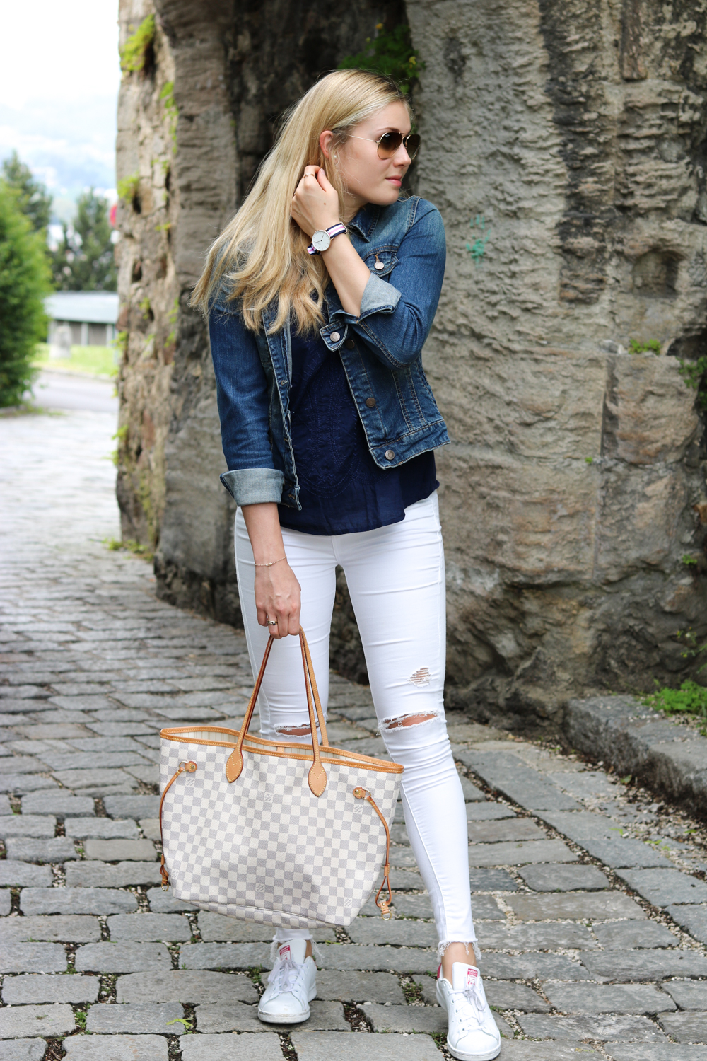Bits and Bobs by Eva, Blog, Austrian Blog, Österreichische Blog, lovedailydose, your daily treat, fashion, beauty, food, interior, fitness, new, bitsandbobsbyeva.com, travel, spring, Mai, Frühling, Outfit Schlossberg, Linz Schlossberg, Schlossmuseum, Linz Blogger, Daniel Wellington, Toyshop Leigh Jeans