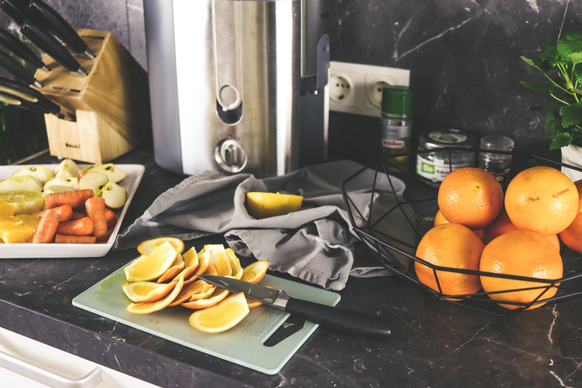 Bits and Bobs by Eva, Blog, Austrian Blog, Österreich blog, österreichische blogger, lifestyle blog, lifestyle, fashion, food, fitness, travel, inspiration, lovedailydose, the daily dose, bitsandbobsbyeva, bits and bobs, blog, blogger, deutsche blogger, german blogger, österreich, linz, wien, vienna, blonde girl, instagram blog, juice, juice: no chance mister snowman, winter, winter juice, saft, selbstgepresster saft, homemade juice, orange, ingwer, capful, karate, zimt