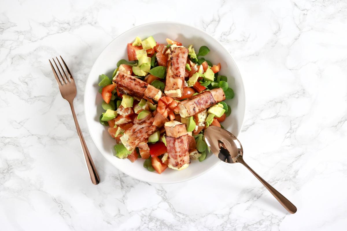 Winter Salat mit Feta im Speckmantel
