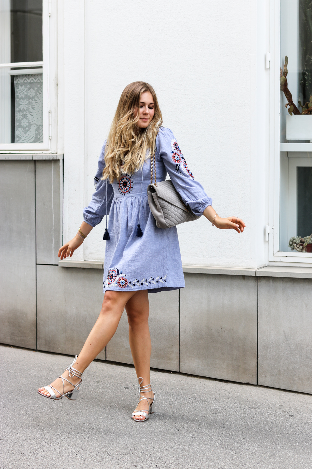 embroidered dress New Look