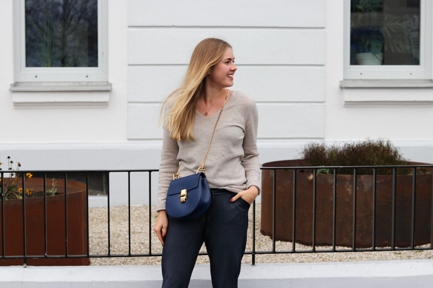 Outfit: Jogginghose & Cashmere in the City