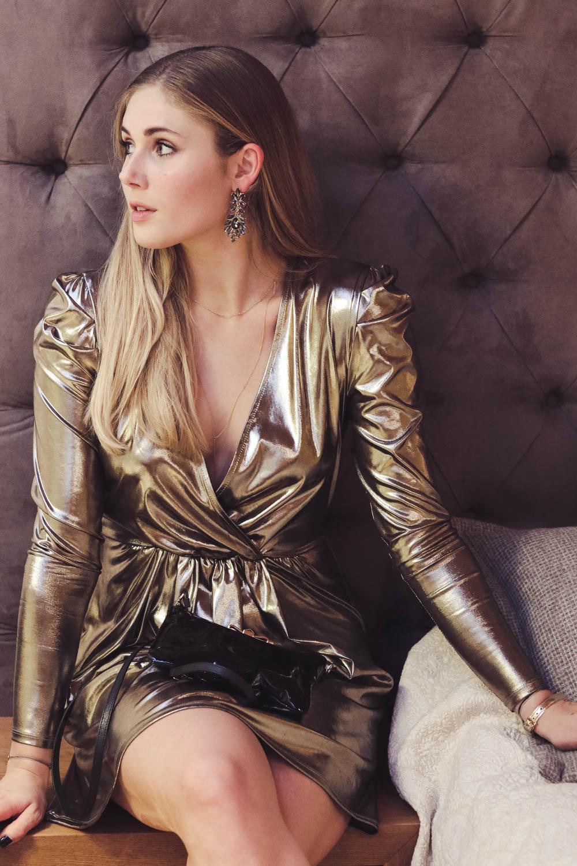 Outfit: Metallic Dress for Silvester auf dem österreichischen Lifestyle Blog Bits and Bobs by Eva