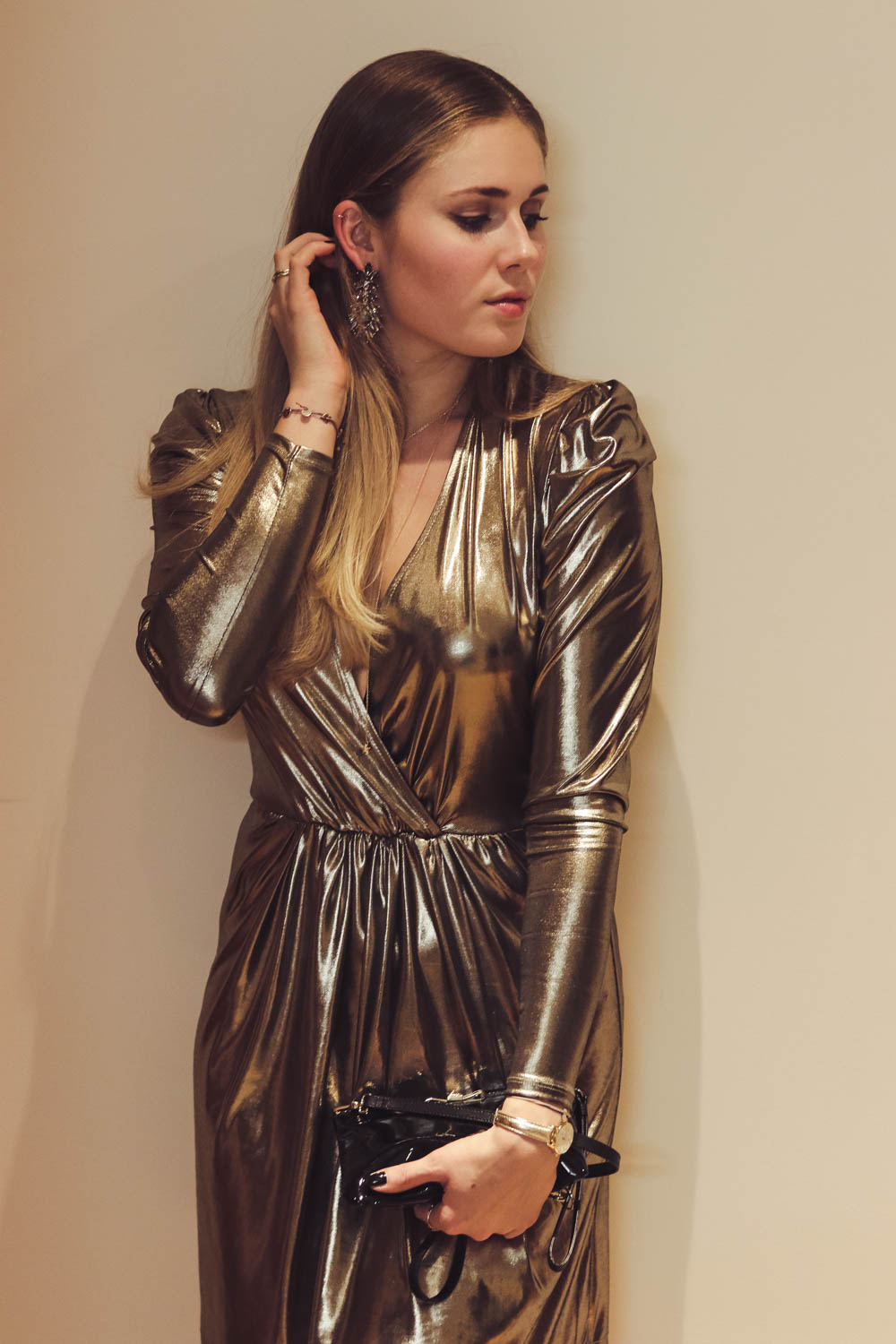 Outfit: Metallic Dress for Silvester auf dem österreichischen Lifestyle Blog Bits and Bobs by Eva