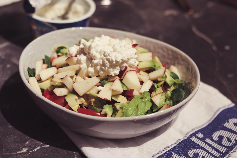 Salat mit Frischkäse und Apfel auf dem österreichischen Blog Bits and Bobs by Eva