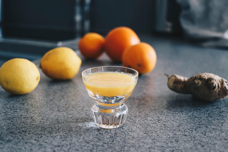 Ginger Shot - Ingwer Shot Rezept auf dem österreichischen Lifestyle Blog Bits and Bobs by Eva. Mehr Food auf www.bitsandbobsbyeva.com