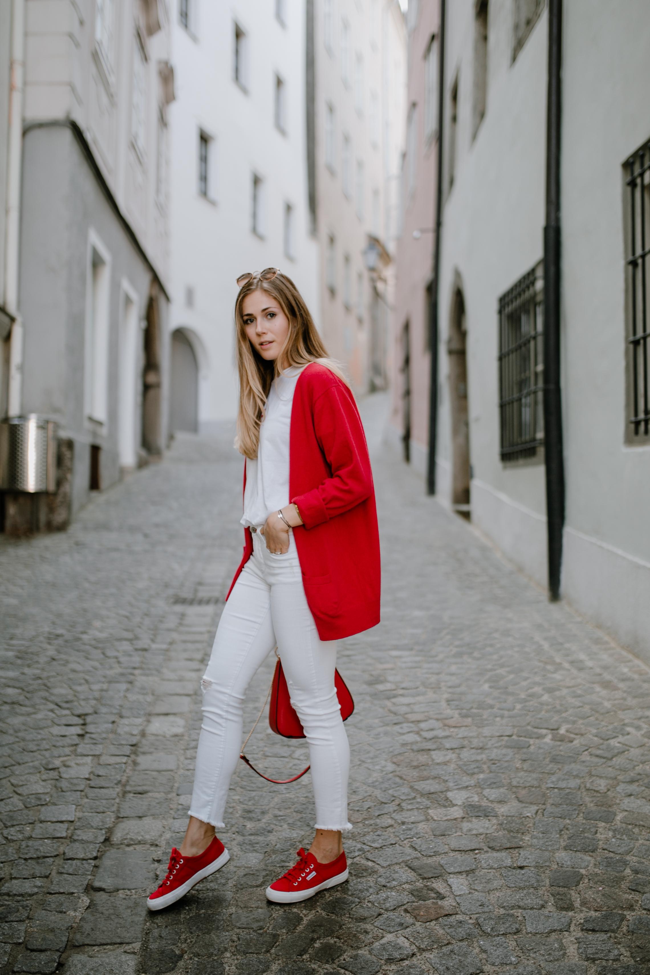 Outfit: From Midtown To East Village auf dem österreichischen Lifestyle Blog Bits and Bobs by Eva. Mehr Fashion & Mango New York Shirt auf www.bitsandbobsbyeva.com