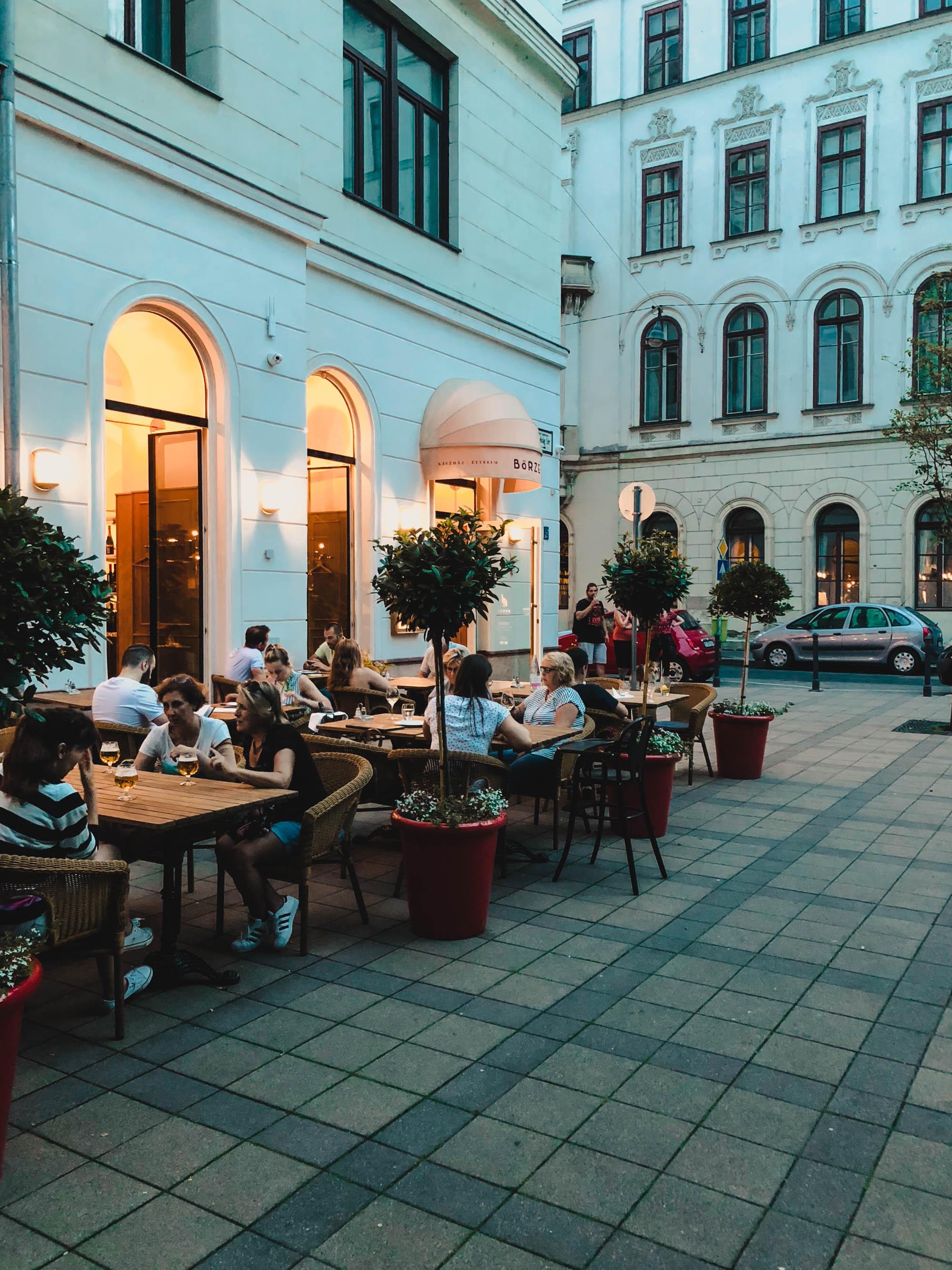 POSTCARD from BUDAPEST auf österreichischen Lifestyle Blog Bits and Bobs by Eva. Mehr Travel Post und Reisen auf www.bitsandbobsbyeva.com