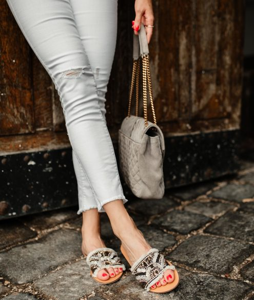 BLOG YOUR STYLE: Slides auf dem österreichischen Lifestyle Blog Bits and Bobs by Eva. Mehr Schuhe und Fashion Tipps auf www.bitsandbobsbyeva.com