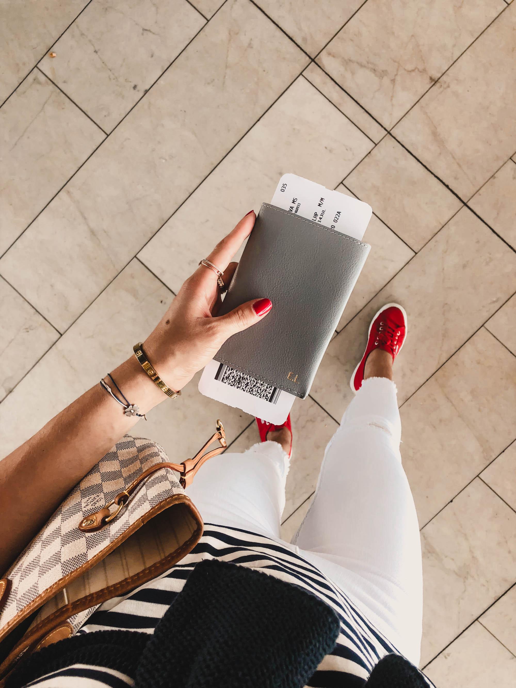 Wie mache ich meine Shellac Nägel selbst? auf dem österreichsichen Lifestyle Blog Bits and bobs by Eva. Mehr Beauty auf www.bitsandbobsbyeva.com