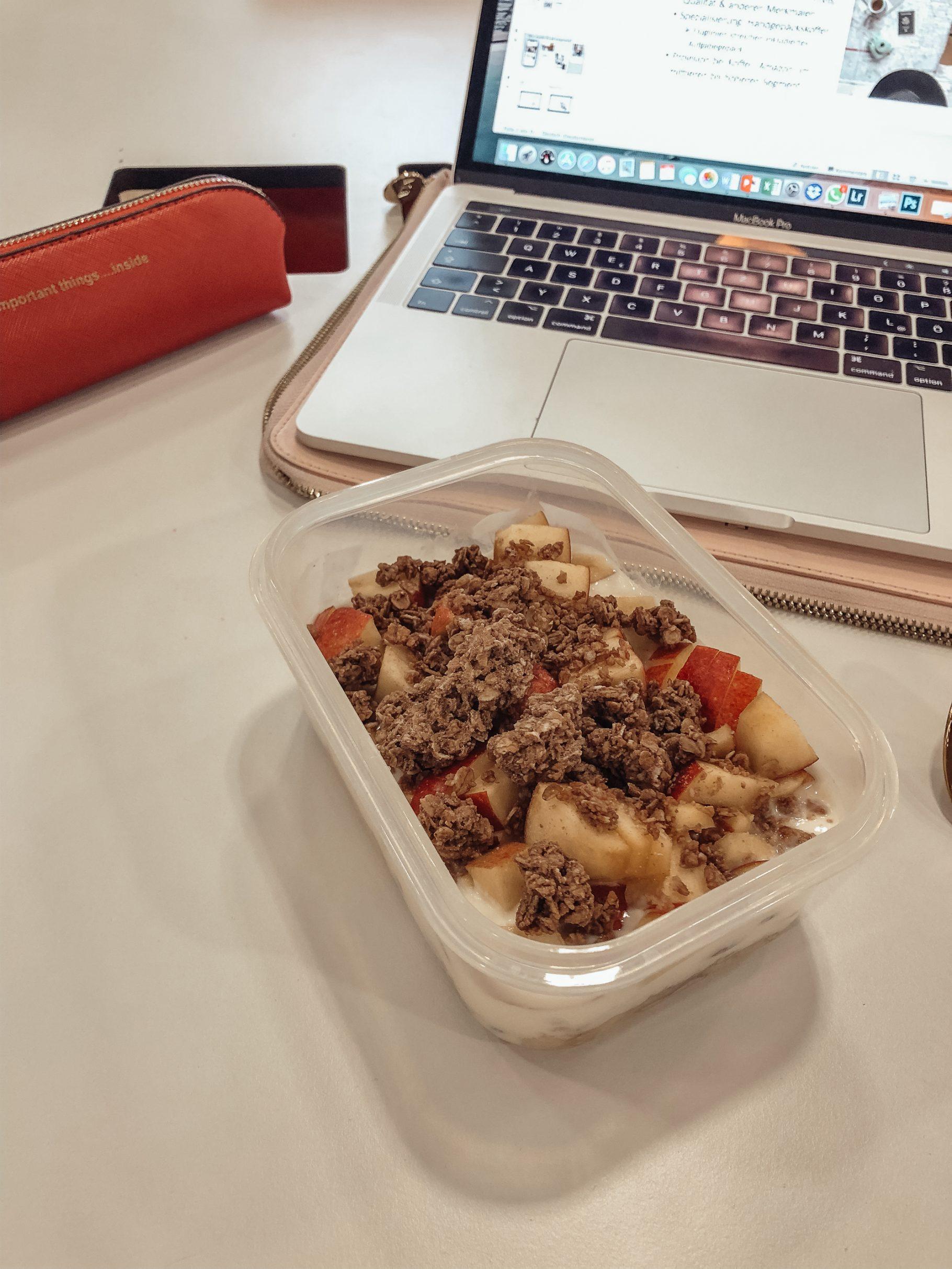 What I Eat in a Day #7: Tupperware Food auf dem österreichischen Lifestyle Blog Bits and Bobs by Eva. Mehr Essen auf www.bitsandbobsbyeva.com