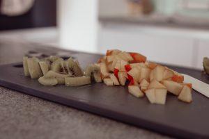 Gesunder Schoko-Porridge auf dem österreichischen Lifestyle Blog Bits and Bobs by Eva. Mehr Rezepte auf www.bitsandbobsbyeva.com