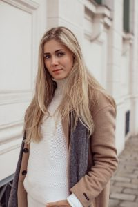 BLOG YOUR STYLE: Winter Whites auf dem österreichischen Lifestyle Blog Bits and Bobs by Eva. Mehr Fashion auf www.bitsandbobsbyeva.com