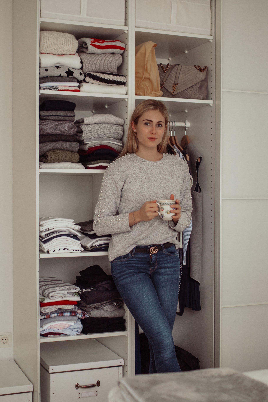 Kleiderschrank organisieren und aufräumen auf dem österreichischen Lifestyle Blog Bits and Bobs by Eva. Mehr Tipps auf www.bitsandbobsbyeva.com