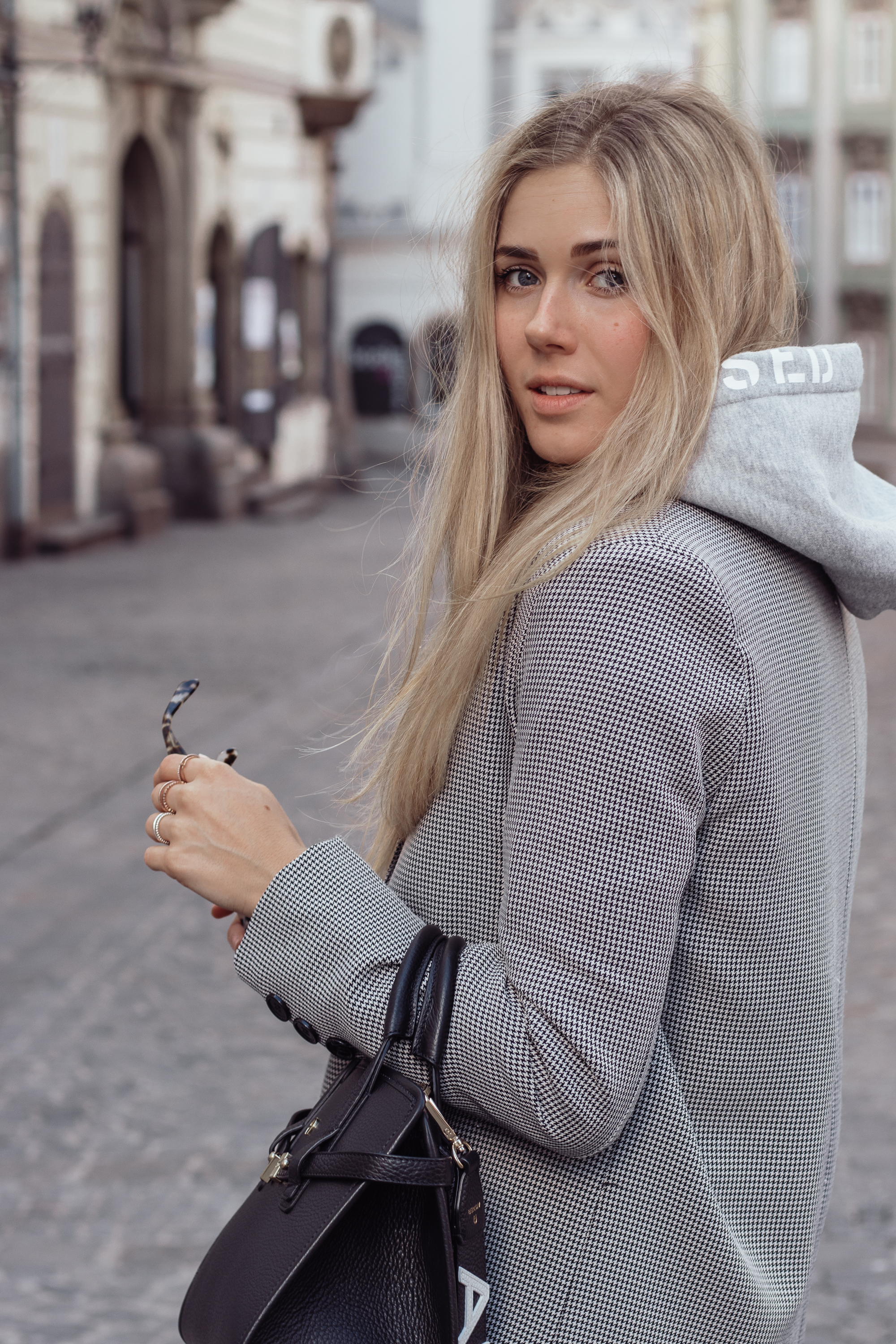 BLOG YOUR STYLE: Hoodies Bits and Bobs by Eva