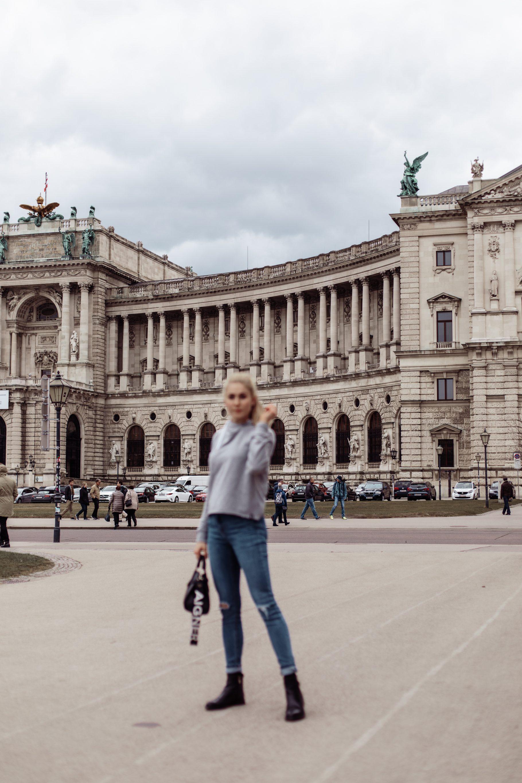 Outfit: Casual Friday auf dem österreichischen Lifestyle Blog Bits and Bobs by Eva. Mehr Fashion Looks auf www.bitsandbobsbyeva.com