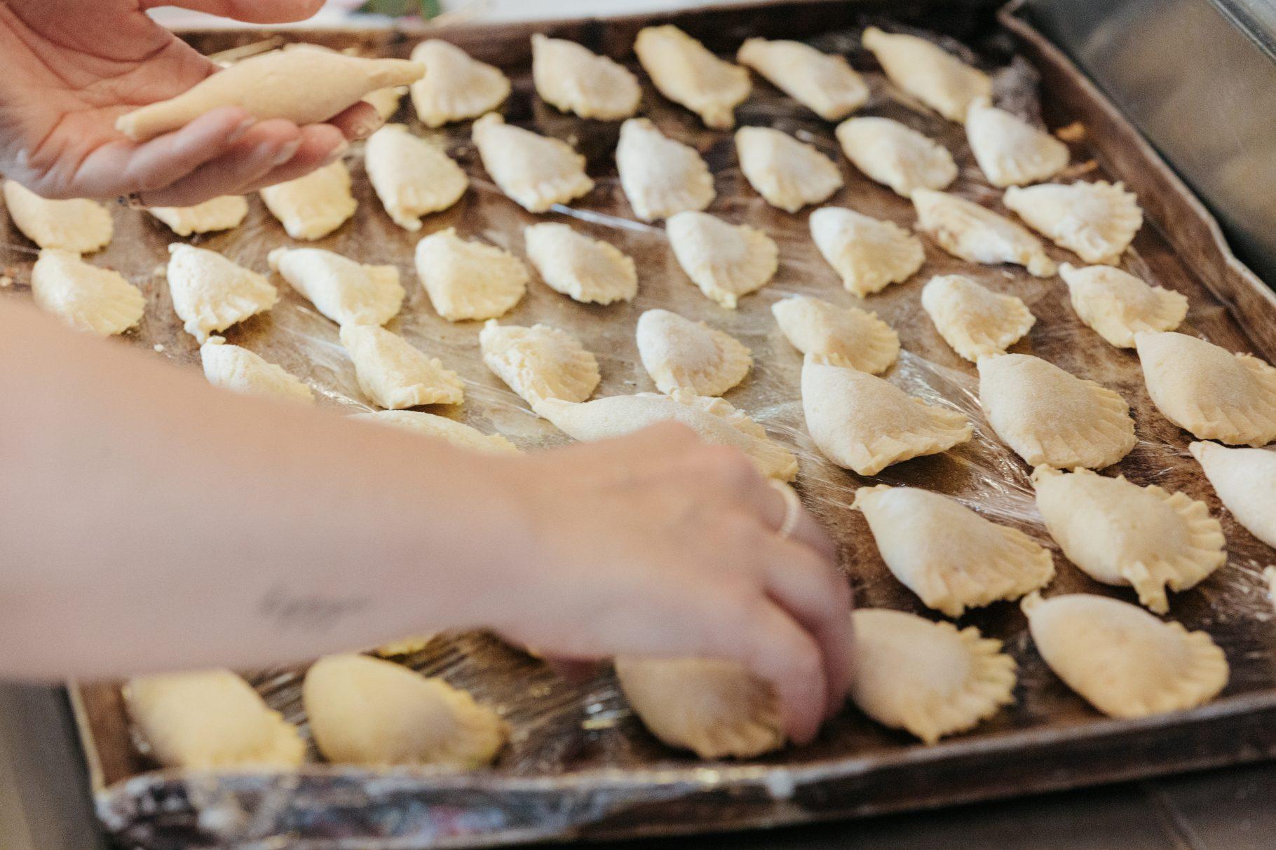 Kochen mit Hofer: Sauerteigbrot, Grammeltascherl & Topfenknöderl auf dem österreichischen Lifestyle Blog Bits and Bobs by Eva. www.bitsandbobsbyeva.com