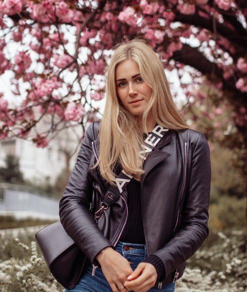 Outfit: Lederjacke & Kirschblüten auf dem österreichischen Lifestyle Blog Bits and Bobs by Eva. Mehr Fashion auf www.bitsandbobsbyeva.com