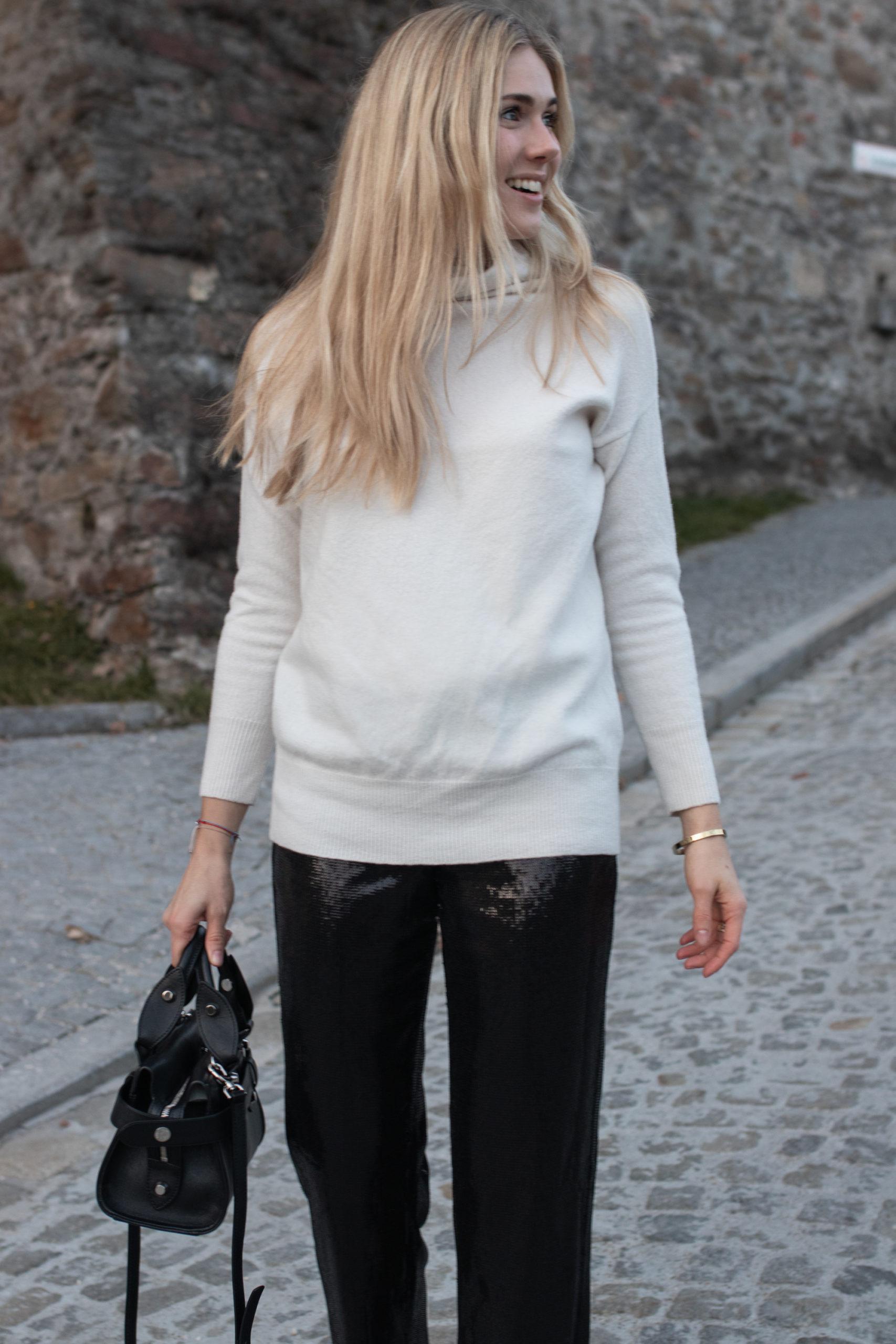 Outfit: Christmas Mood auf dem österreichischen Lifestyle Blog Bits and Bobs by Eva. Mehr Best Secret Deals auf www.bitsandbobsbyeva.com