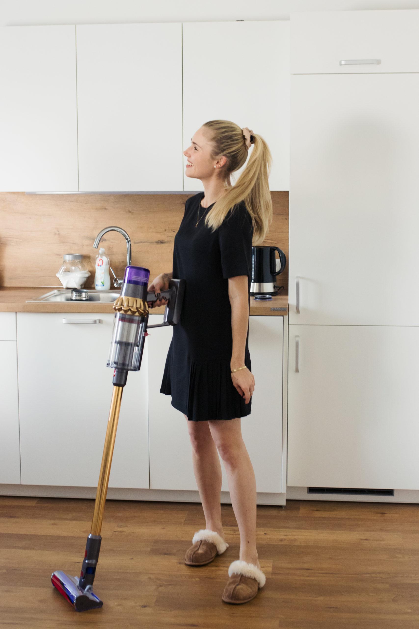 Dyson V11, Cozy Home: meine Haushalts-Tipps auf dem österreichischen Lifestyle Blog Bits and Bobs by Eva. Mehr auf www.bitsandbobsbyeva.com