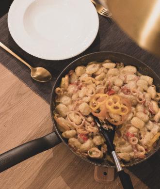 Rezept: Gnocchi mit buntem Paprika-Gemüse auf dem österreichsichen Lifestyle Blo Bits and Bobs by Eva. Mehr Gesundes auf www.bitsandbobsbyeva.com