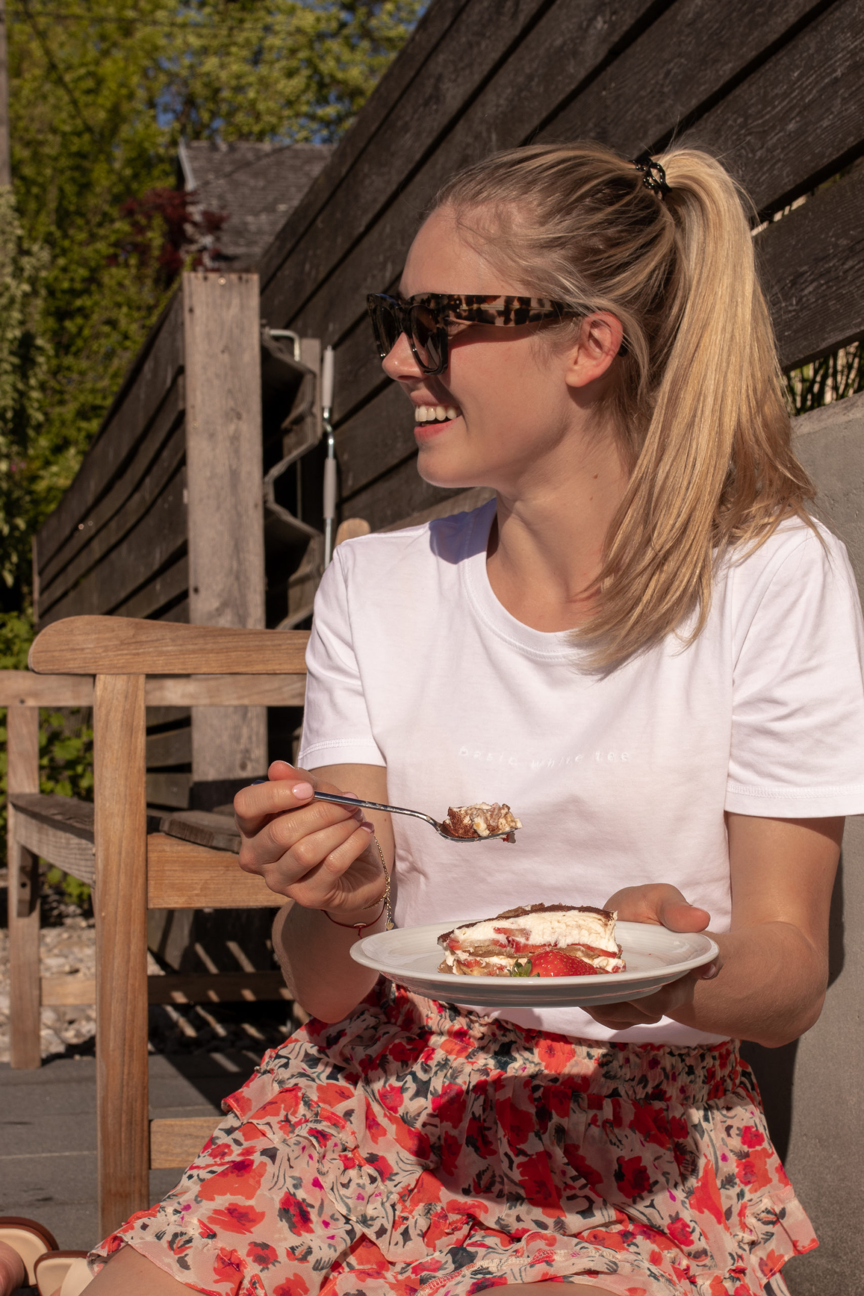 Rezept: Erdbeer-Tiramisu ohne Ei auf dem österreichischen Lifestyle Blog Bits and Bobs by Eva. Mehr Food auf www.bitsandbobsbyeva.com