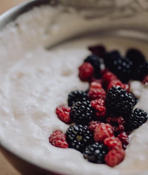 Rezept: Beeren Pancakes auf dme österreichsichen Lifestyle Blog Bits and Bobs by Eva. Mehr Essen auf www.bitsandbobsbyeva.com