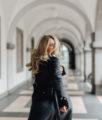 BLOG YOUR STYLE: Oversized Mantel auf dem österreichsichen Lifestyle Blog Bits and Bobs by Eva. Mehr Herbst Outfits www.bitsandbobsbyeva.com